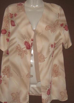 Блузка бежевая, без пуговиц. рукав короткий. пог – 54 см,