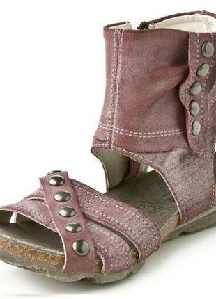 Высокие сандалии gabor