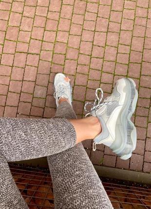 Triple s clear sole grey  серые кроссовки2 фото