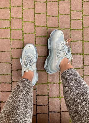 Triple s clear sole grey  серые кроссовки6 фото