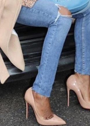 Классические туфли-лодочки бежевый лак