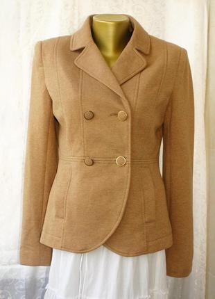 Обалденный пиджак супер на фигуре ткань классный трикотаж