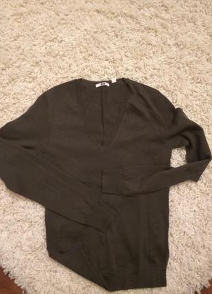 Шерстяной свитер uniglo