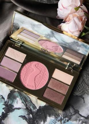 Палетка для макияжа tarte miracles from the amazon eye & cheek palette