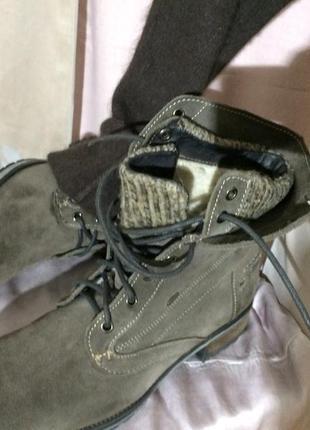 Зимние  меховые ботинки  41 размер