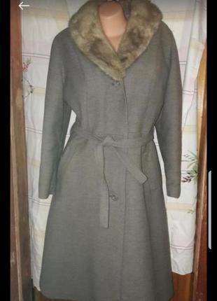 Пальто с норковым воротом 48р