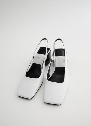 Кожаные босоножки на каблуке с квадратным носом! мюли!