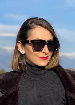 Стильные квадратные солнцезащитные очки