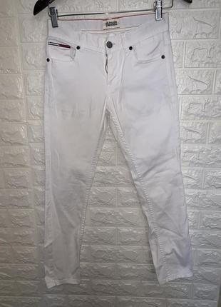 Белые джинсы tommy hilfiger