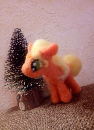 Валяная пони