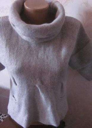 Фирменный шерстяной свитер  xs