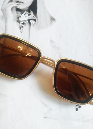 Солнцезащитные стильные очки в металлической оправе коричневый в золоте