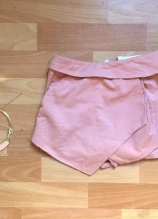 Модные шорты персиковго цвета