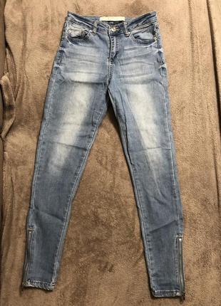 Голубые женские джинсы skinny jennyfer