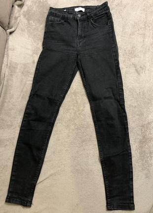 Чёрные джинсы skinny bershka