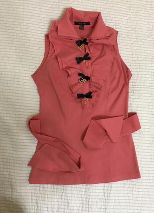 Нарядная яркая блуза без рукавов
