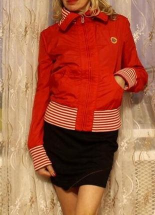 Diesel куртка красная в идеальном состоянии