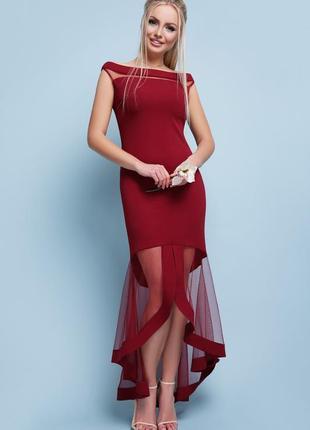 Вечернее платье с асимметричной длинной