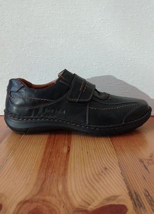 Брендові шкіряні туфлі