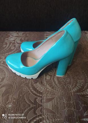 Дуже зручні туфлі
