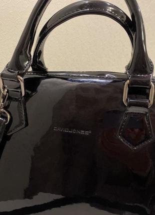 Стильная лаковая сумка david jones