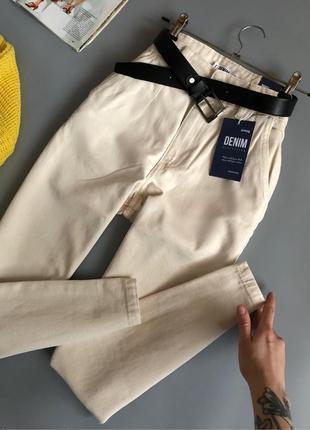 Новые идеальные молочные джинсы мом с высокой посадкой