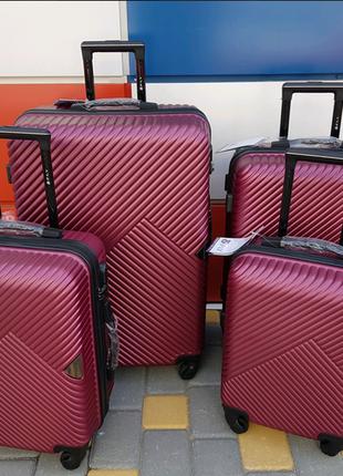 Чемодан ,валіза ,дорожная сумка ,сумка на колёсах ,отличное качество