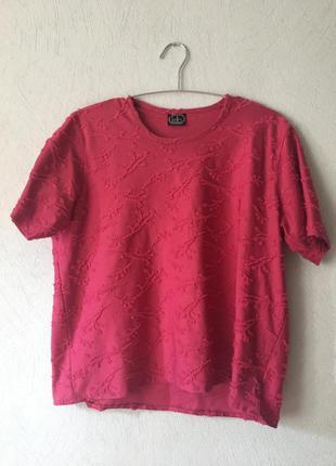 Футболка кроп топ с вышивкой розового цвета