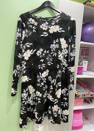 Платье свободное с длинным рукавом
