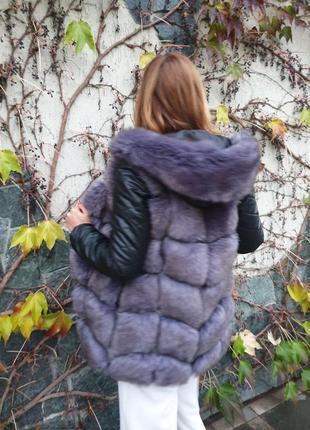 Курточка жилетка рукава капюшон на молнии
