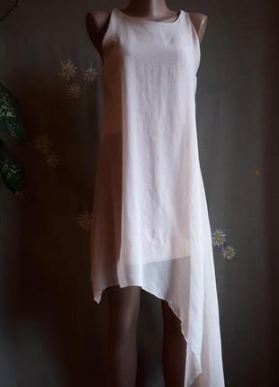 Брендовое платье boohoo  нюд  нарядное асимметрия беж нежное розовое летящее полная распродажа