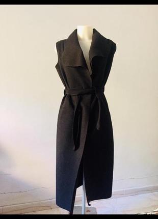 Итальянское пальто без рукавов и подкладки жилет