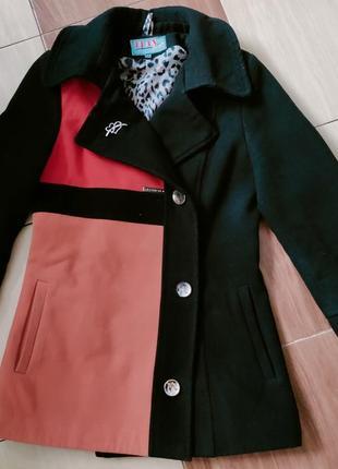 Пальто, педжак