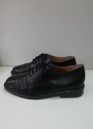 Мужские туфли размер 42.
