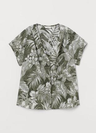 Лёгкая блуза оливковая v-образное горло, джунгли листья цветы