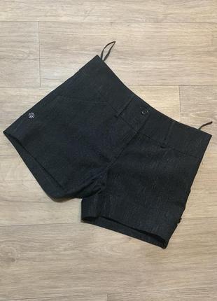 Классические чёрные блестящие шорты