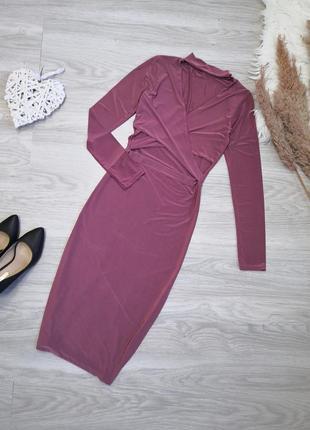 Шикарное платье с чокером и вырезами на талии пыльного розового цвета