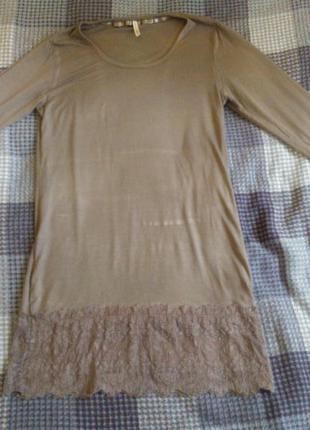 Тонкое легкое платье с гипюром внизу