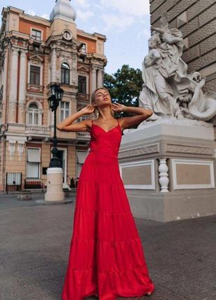Красный шелковый летний длинный сарафан с открытой спиной