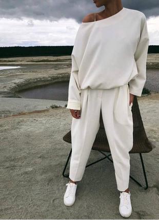Костюм свободный крой, оверсайз блуза на плечо и брюки костюмка высокого качества💣