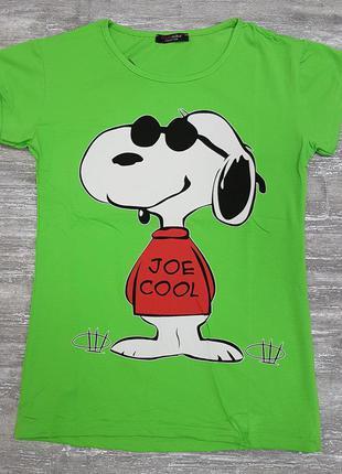 Футболка легкая летняя зелеая х/б с забавной собакой на принте