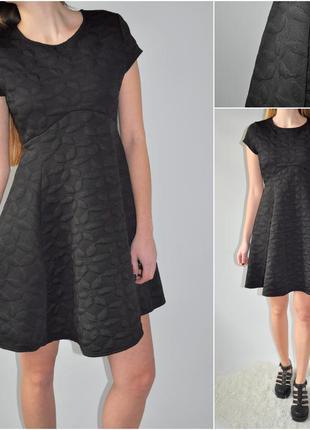 Идеальное платье в фактурные цветы