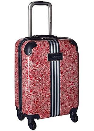 Яркий и  стильный чемодан для ручной клади tommy hilfiger