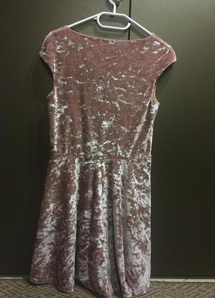 Платье велюровое на праздник нежное новое2 фото