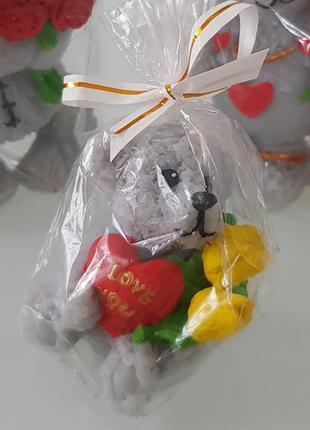 Свеча мишка тедди с сердцем и цветами
