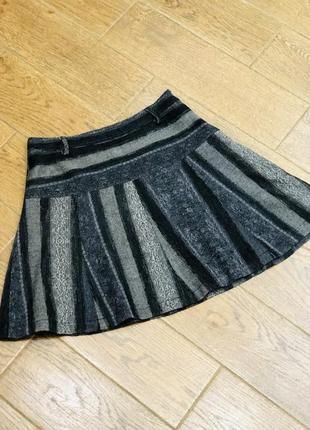 Стильная серая шерстяная юбка