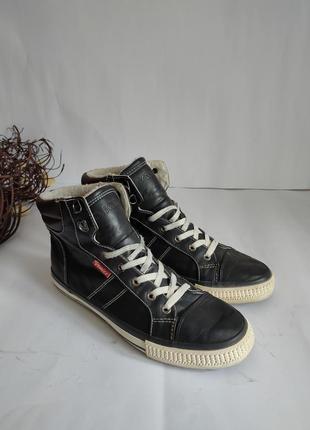 Спортивная зимняя обувь venice в хорошем состоянии. длина стельки26.7 см.