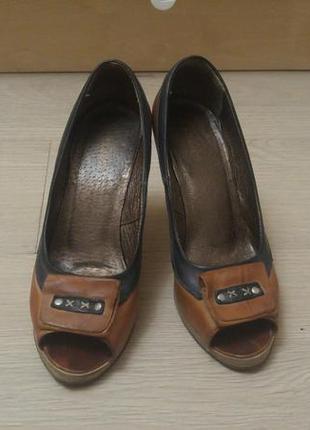 Туфли босоножки открытый носок натуральная кожа греция