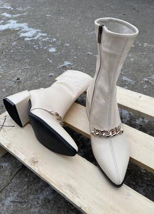 Кожаные ботинки на каблуке 💣