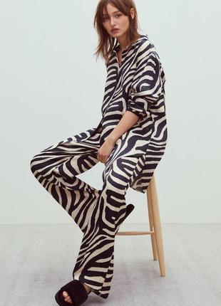 """Широкие атласные брюки с принтом """"зебра"""", бренд h&m! оригинал, из португалии!"""